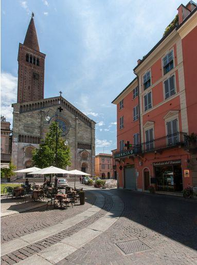 #Piacenza #PiazzaDuomo #italianstyle #EmiliaRomagna #Italy ph.tagini