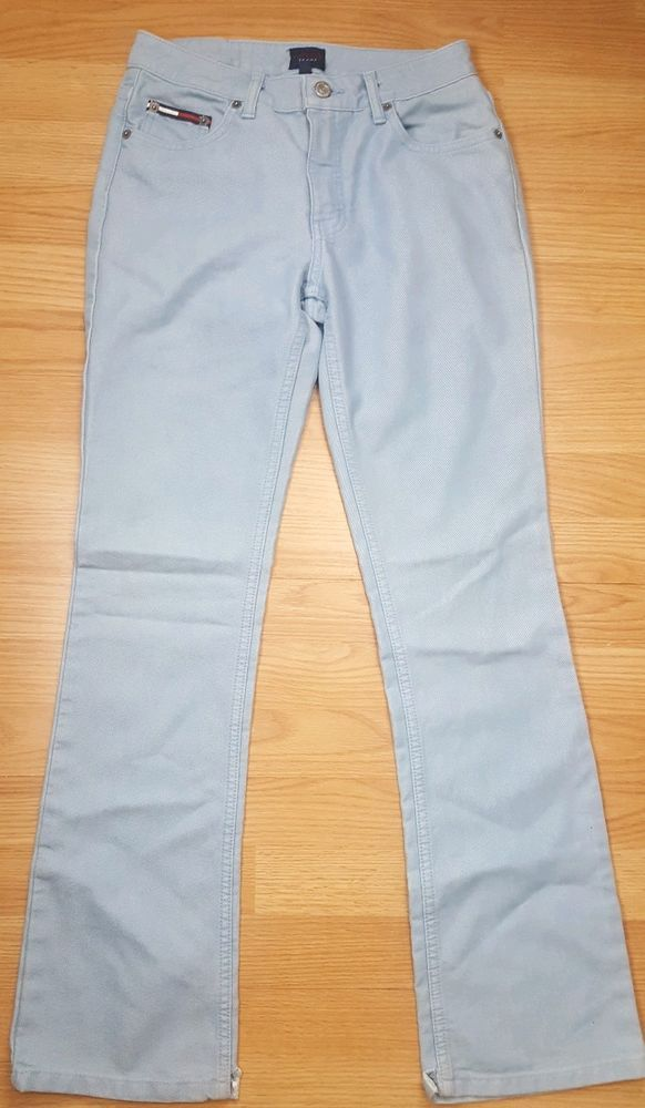 1dab044b112 Tommy Hilfiger light blue flare jeans womens size 5  fashion  clothing   shoes  accessories  womensclothing  jeans (ebay link)