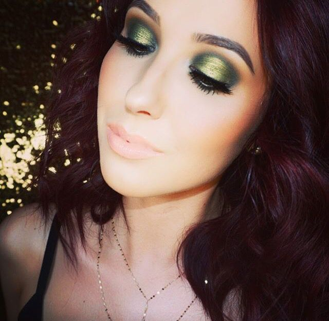 Jaclyn Hill emerald yellowy green kaboom smokey eye - I love her concealer: http://amzn.to/2d92zwh