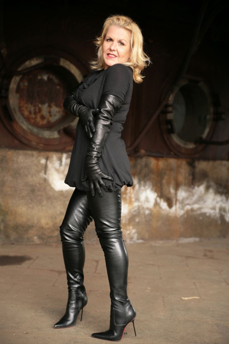 Matures In The Boots 30