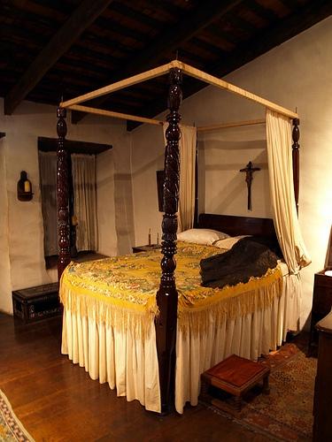 spanish style bedroom by martymcfli via flickr