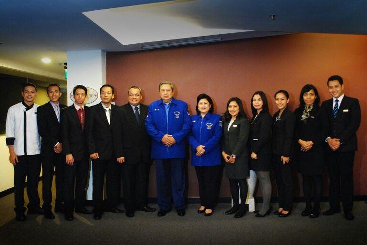 Pak SBY dan Ibu Ani Yudhoyono beserta AHCM Team