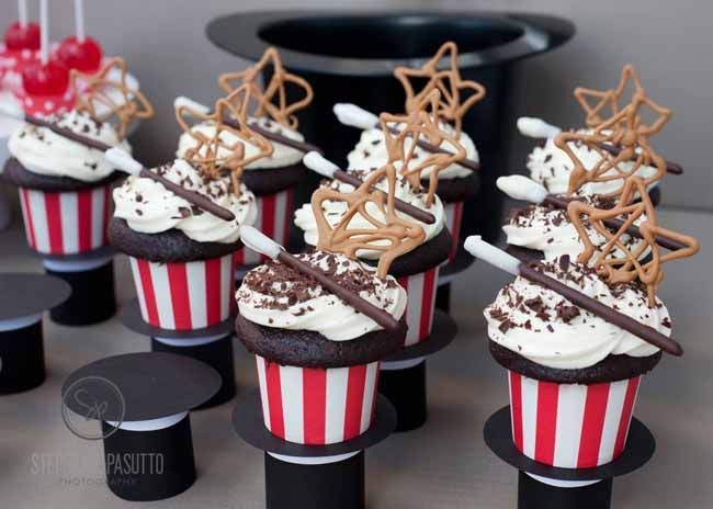 Magic Birthday Party - super cute details ... love the top hat cupcake holders