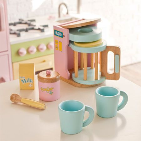 Wooden Play Coffee Maker. #playkitchen #tinylittlepads @tinylittlepads www.tinylittlepads.com