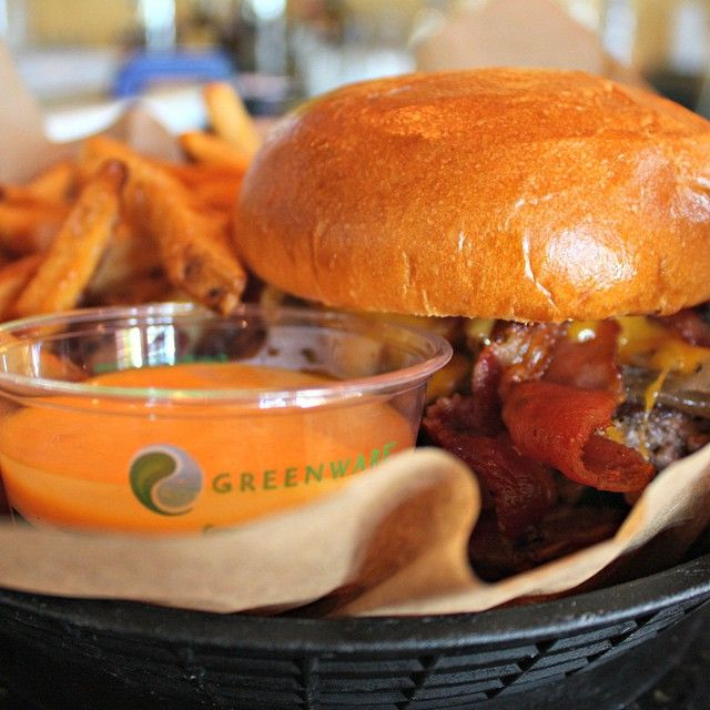 Empire Burger, you make us so hungry with your mouthwatering burgers and piping hot fries.  Want now!
