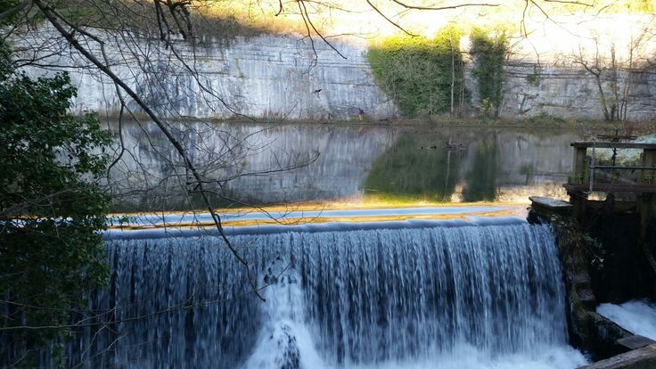 Water cum jolly dale Peak District