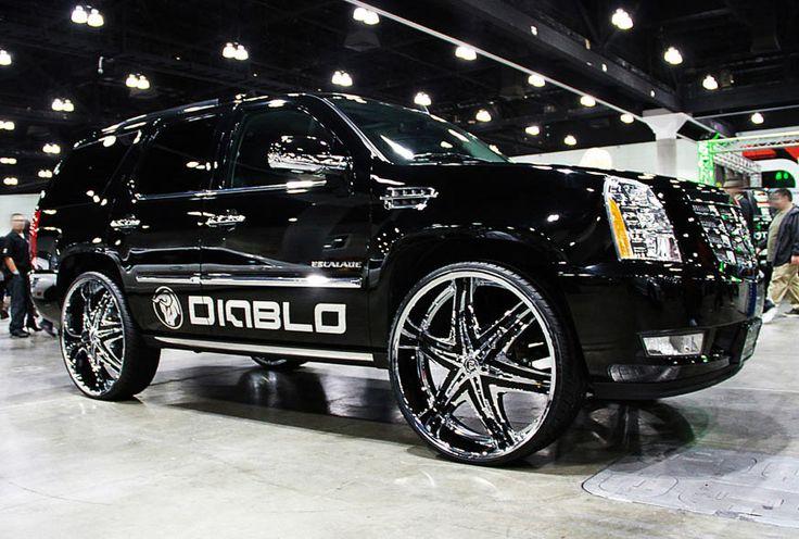 custom suv with 28 rims diablo elite chrome wheels on. Black Bedroom Furniture Sets. Home Design Ideas
