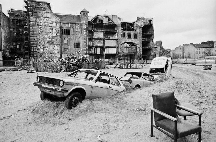Hinter dem Tacheles, 1990 © Ben de Biel
