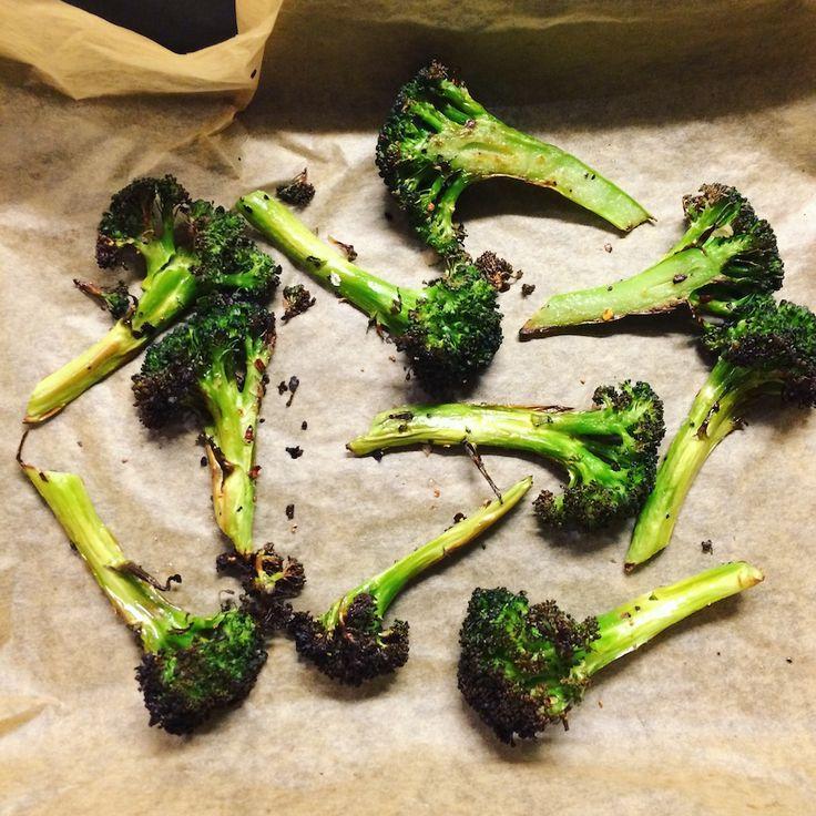 Her er en mulig løsning, hvis du rigtig gerne vil spise mere broccoli, men er knap så vild med den grønne grøntsag. Disse broccolifritter er virkelig gode og kan i...