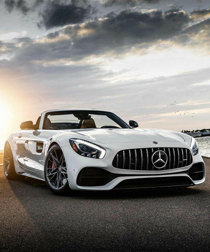 Benz The Best Luxury Car Sports Car Amazing Cars Cool Cars Luxury Lifestyle In 2020 Best Luxury Cars Mercedes Benz Wallpaper Automotive Photography