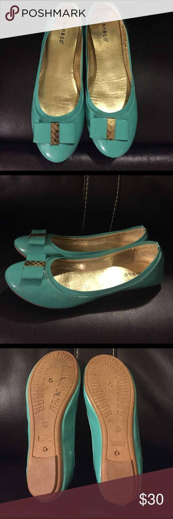 Blue/Teal flats with gold bow Adorable!!  These are size 10 but fit like a 9 Shoes Flats & Loafers