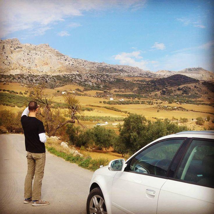 Instagrammer ongewoonlekkerfooddrinksblog verkende El Torcal de Antequera bij Malaga, Spanje met een huurauto. Deel ook je roadtrip plezier op social media met de hashtag #meteenhuurautoziejemeer