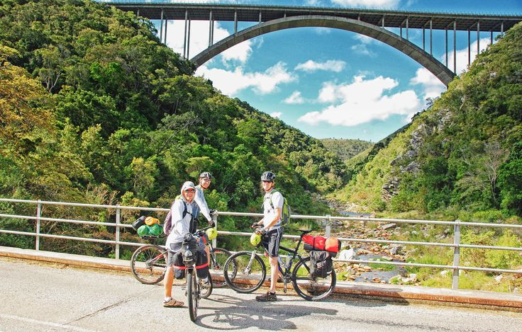 Cycling through the Baviaanskloof, Eastern Cape