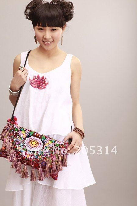 $34 http://www.aliexpress.com/store/product/Freeshipping-Original-Design-Embrroidery-Satchel-Handmade-Embroidered-Clutch-Bag-Tassel-Bag-Chinoserie-Personalized-Bag/205314_548717295.html#