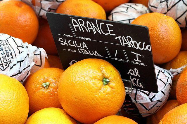 The category Arancia Rossa di Sicilia includes the three orange varieties: Tarocco, Moro and Sanguinello.