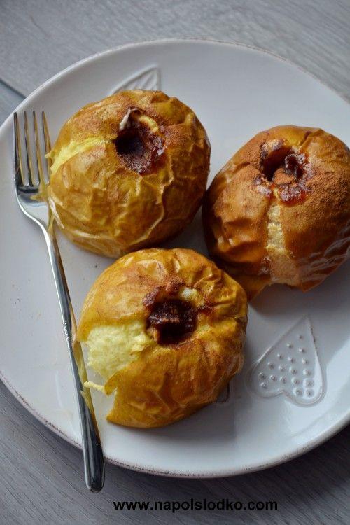 Jabłka pieczone z dżemem i cynamonem