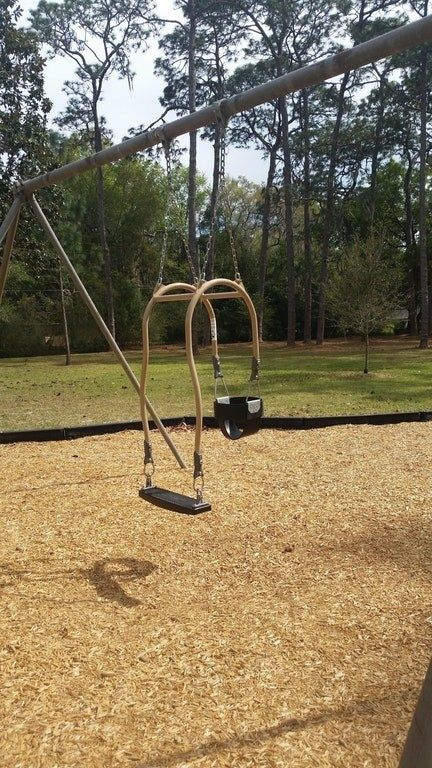 And this baby swing has an added seat so that parents and kiddos can swing toget…