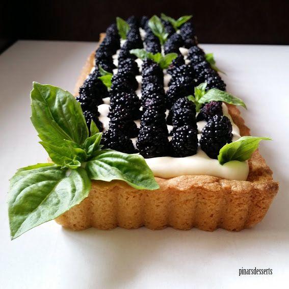 Sable Breton Tart Tabanı;  Adapted by Gordon Ramsay   Malzemeler:   200 gr. un  125 gr. tereyağı (oda sıcaklığında)  ...