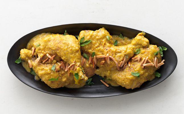 Chicken in Garlic-Almond Sauce