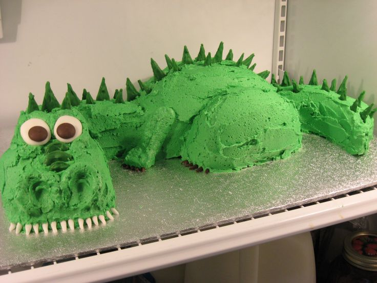 123 best Cakes Castles Dragons images on Pinterest Dragon