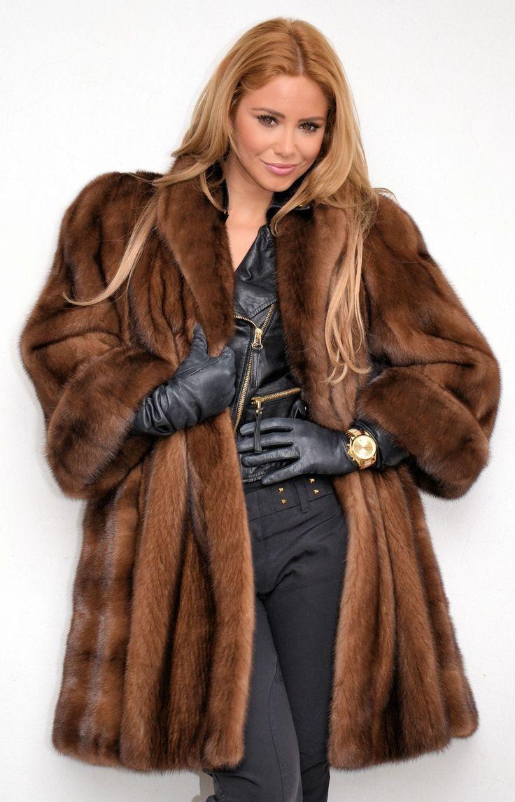 301 best Samantha images on Pinterest | Fur coats, Furs ...