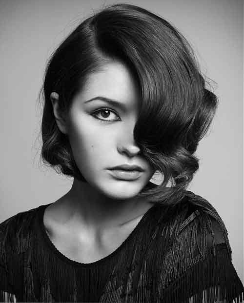 Good-Short-Haircuts-for-Wavy-Hair-7