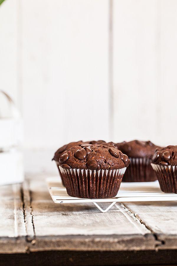 Qu'il fasse chaud ou froid, je trouve qu'il n'y a rien de plus réconfortant qu'un gros muffin tout chocolat bien moelleux.