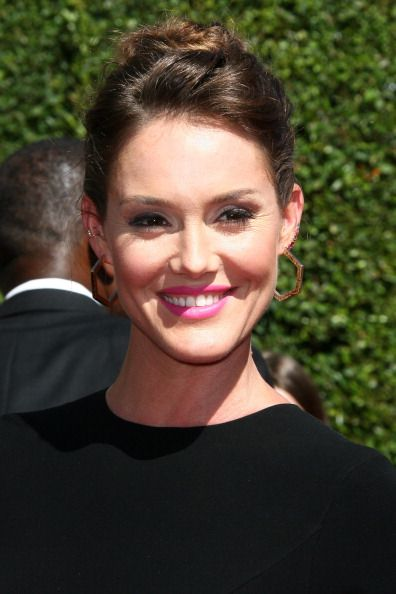Erinn Hayes attends the 2014 Creative Arts Emmys Hair by Ian James.