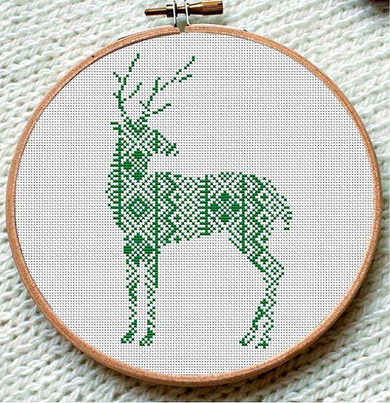 Winter Green Reindeer Cross Stitch Pattern от CrossStitchForYou