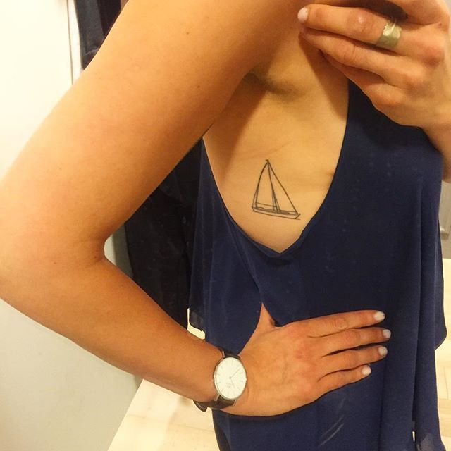 Sail away, sail away... #sailboat #sailboattattoo #traveltattoo #petitbateau