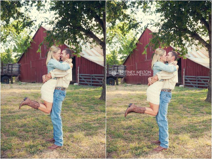 @kaitlynwisehart Kaitlyn & Jonathan - Field Engagement Photos ... Barn Engagement Photos #BrittneyMeltonPhotography