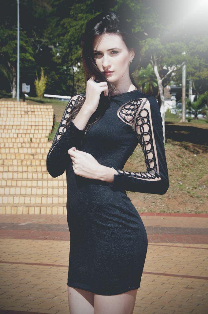 Vestido jacquard com manga toda bordada em fitas. Somos apaixonadas por esse dress! Desejou pro fds? Corre: www.amourami.com.br