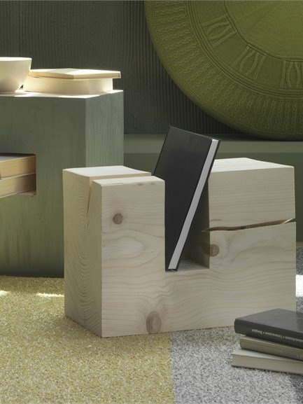 Low coffee table with magazine rack TRONKY by Olivieri | #Design Enrico Cesana #wood #interiors