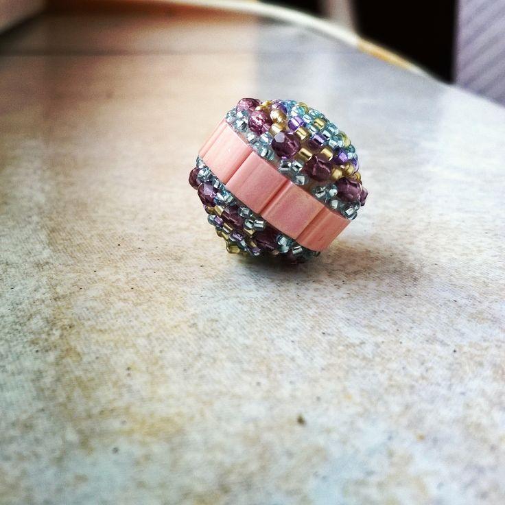 Tilatella beaded bead. Pattern from Ewa (http://ewagyongyosvilaga.blogspot.hu/)