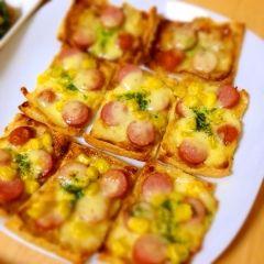 楽天が運営する楽天レシピ。ユーザーさんが投稿した「油揚げピザ★カレーマヨ!簡単♪糖質制限にも♡」のレシピページです。糖質制限中でもピザが食べたい!でも、こっちの方がいっぱい食べれて美味しいかも?。油揚げピザ。薄揚げ,カレー粉(小瓶),マヨネーズ,醤油,冷凍コーン,ウィンナー,ピザ用チーズ
