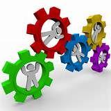 020 – La capacidad de organizar esfuerzos adquiere gran importancia en los grupos humanos, que van aumentando en tamaño y complejidad.  Las mejoras se van dando a partir de las diversas necesidades y usos.