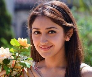 Very pretty and gorgeous girl wallpapers