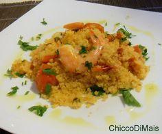 Couscous con gamberi e pachino (ricetta veloce). Ricetta per un primo di pesce o piatto unico veloce e gustoso couscous di mais con gamberi, pachino, limone