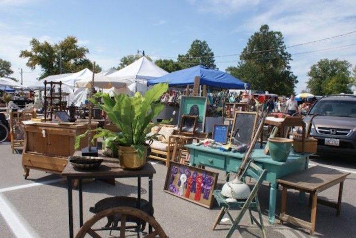 Best Flea Markets in Ohio! 4) Springfield Antique Show and Flea Market (Clark County Fairgrounds)