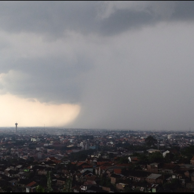 A shower from the sky - Semarang, Indonesia (23 Mar '12)