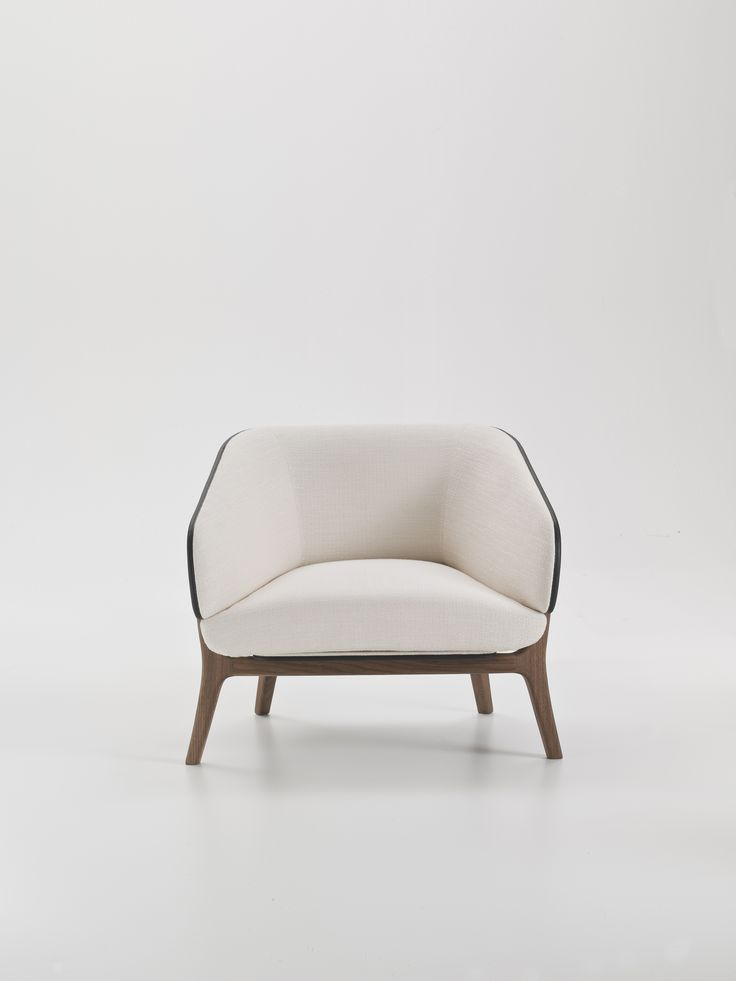 Poltrona in tessuto con braccioli Collezione Savile Row by i 4 Mariani   design Alessandro Dubini
