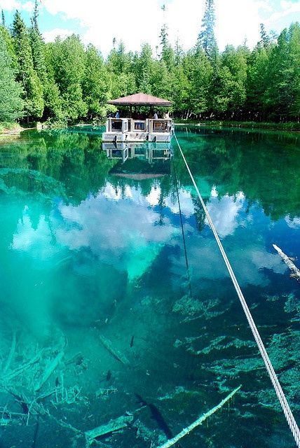 Kitch-iti-kipi, Michigan's largest natural freshwater spring