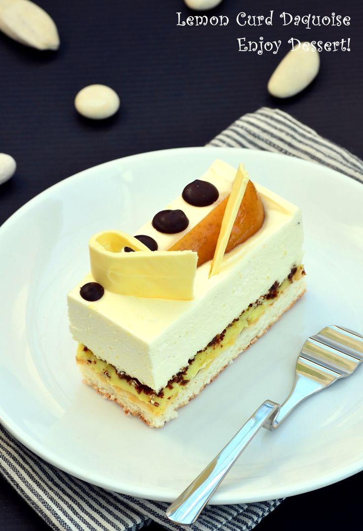 Daquoise con cagliata di limone e mousse al cioccolato bianco