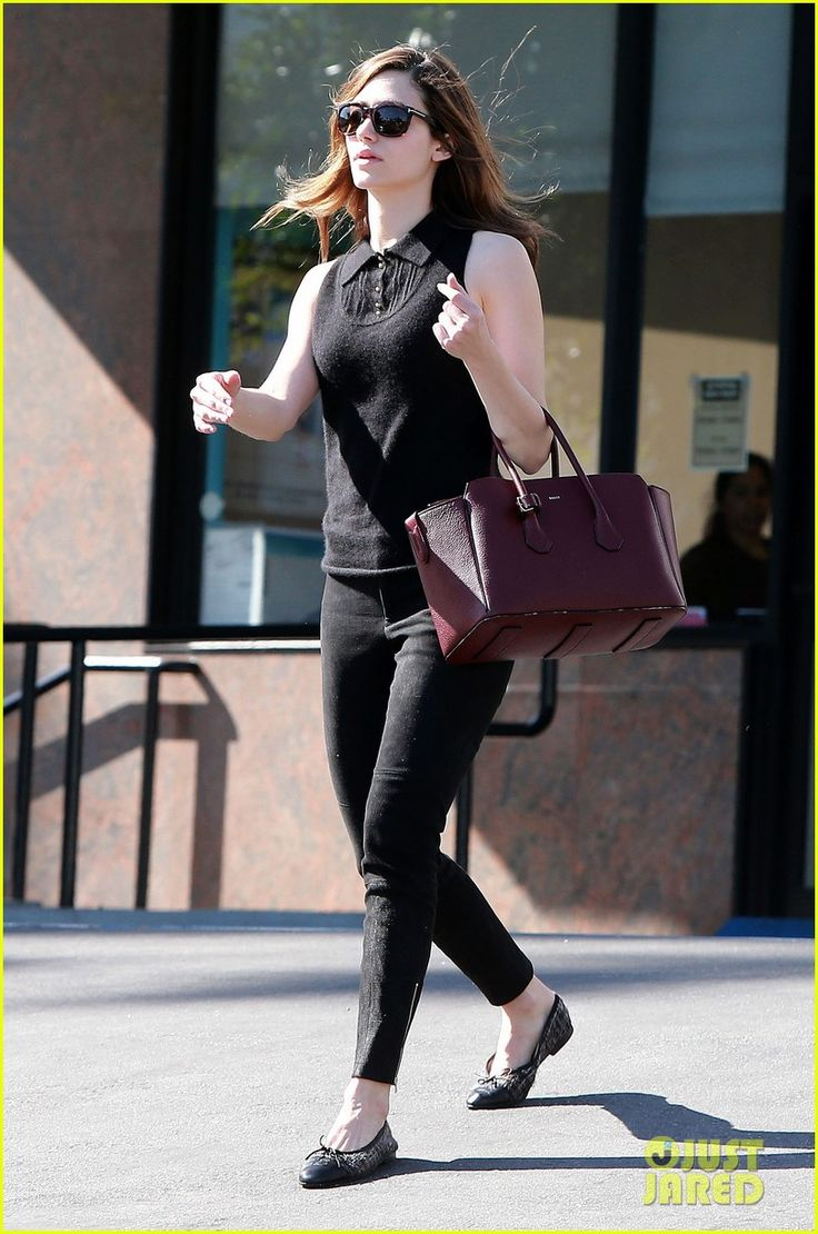 emmy rossum body shape - photo #17
