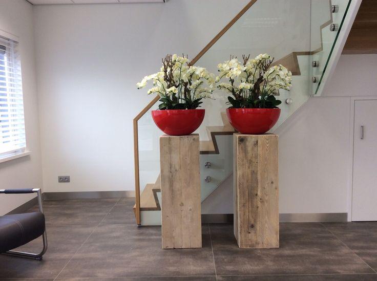 Niet alleen de bloemen zijn van belang ook de ondergrond speelt een cruciale rol in de beleving - Massieve exterieur decoratie ...