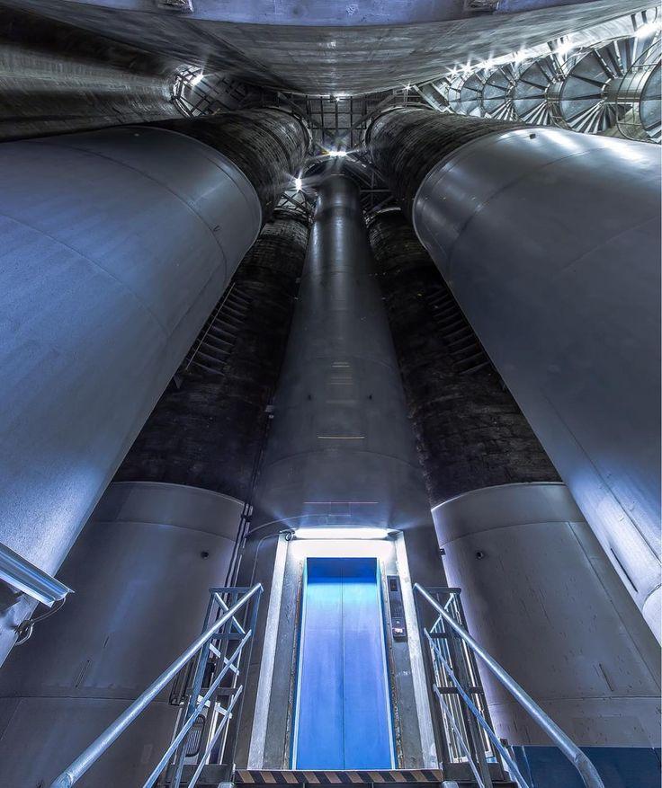 横浜火力発電所 煙突内部 #奥行き同盟 #奥行き #横浜市 #工場見学 #青 #煙突 #高い #ブルー #でかい #メタリック #見上げる #ルックアップ部 #探検 #ライト #工場萌え #東京電力 #東電 Internal of chimney at Yokohama Thermal Power Station #ptk_japan #special_spot_ #special_shot #art_of_japan #lookupotd #lookupclub #lookupseason #stairwaytoheaven #smokestack #staircase #bluecolor #amazing_shots #tepco