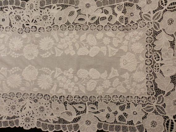 Vintage embroidery van macaristanbul op Etsy