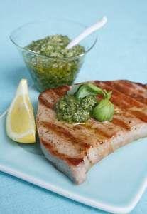 Tonno alla griglia con pesto fresco, ricetta Tonno alla griglia con pesto fresco - alfemminile.com