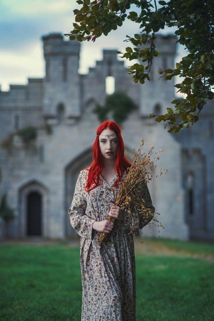 ... - Model: Suzanne Moran