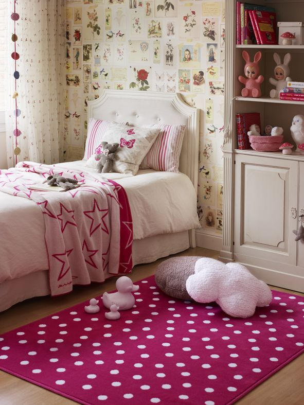 Pink room│Kids room│Washable rugs│Eco-friendly│Home Deco│#washablerugs #lorenacanals #dots. Find more at: http://lorenacanals.com/